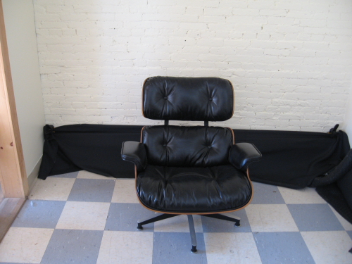 Leather chair2