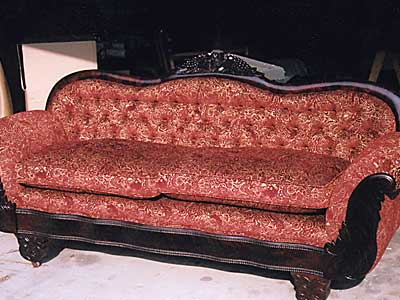 Tuffted couch2